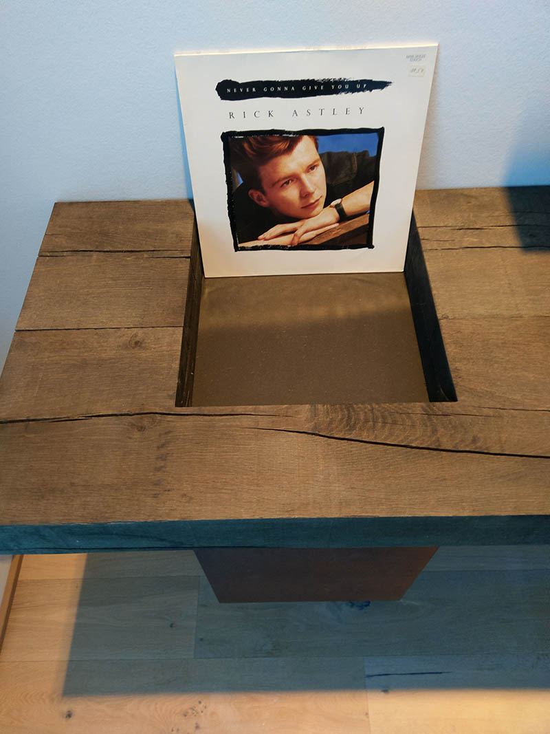 Plattenhalter aus Holz - Möbelunikate